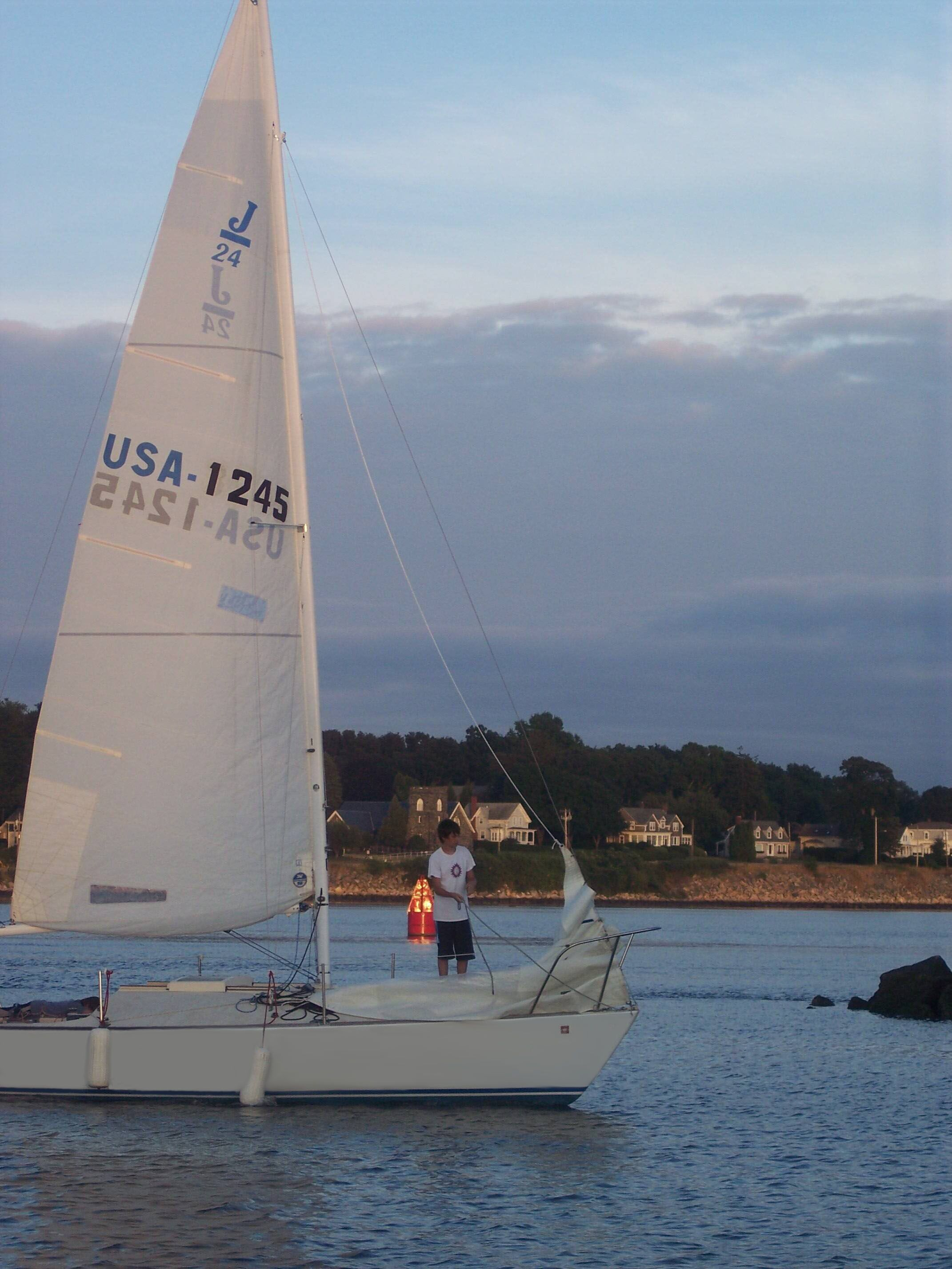 Learn to sail and US Sailing Basic Keelboat certification