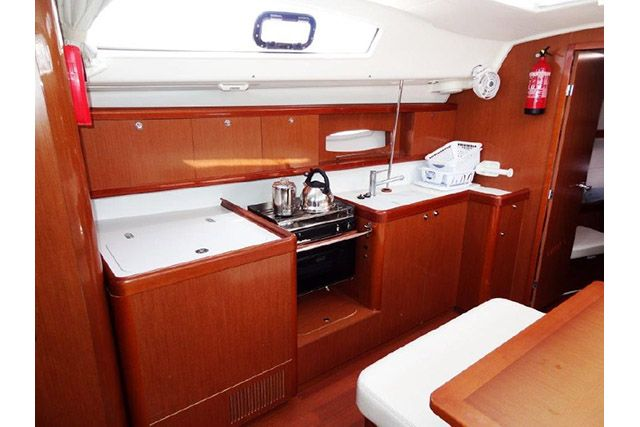 Beneteau 43 Galley 2